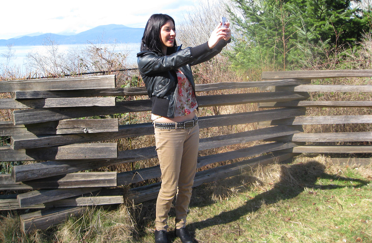 Reba Deguevara poses for a selfie on campus.