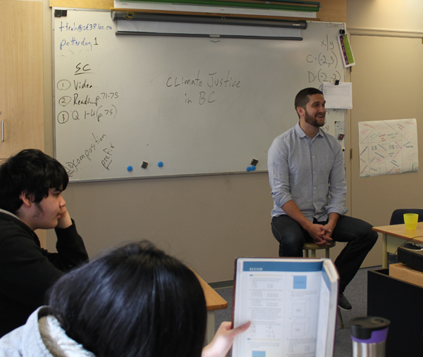 Teacher Thomas Froh speaks to his students about Aboriginal issues. (Photo Tara Maghsoudnia)