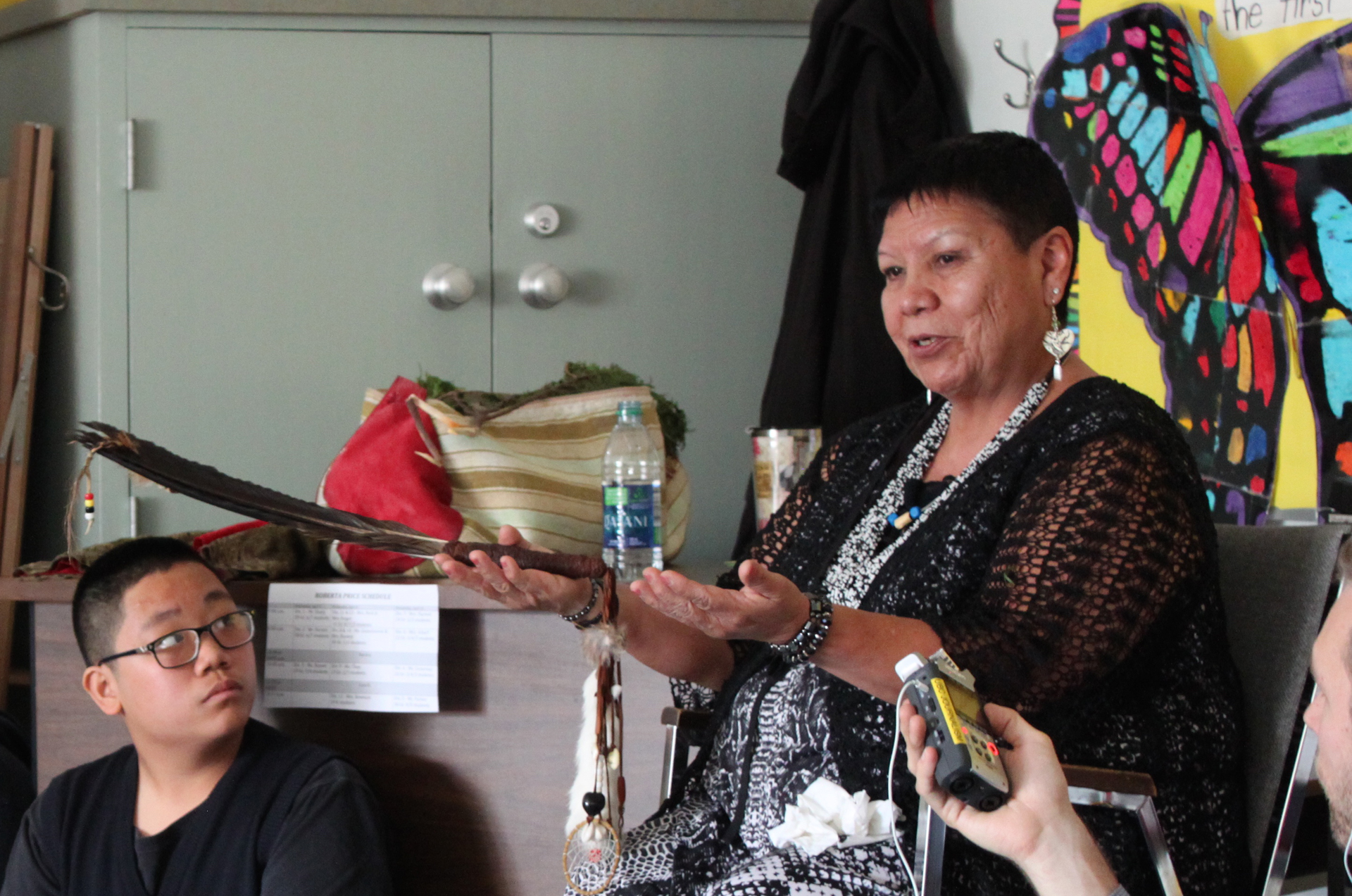 "Vancouver teachers reach out to elders to ""indigenize"" classrooms"